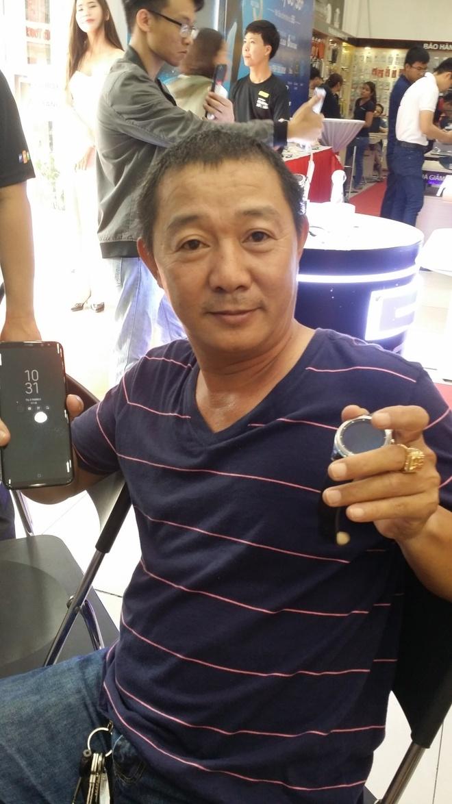 Chong 'soai ca' mua Galaxy S8 lam qua sinh nhat cho vo hinh anh 2
