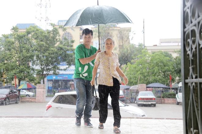 Nguoi dan Phu Tho doi mua di tam soat ung thu mien phi hinh anh 1
