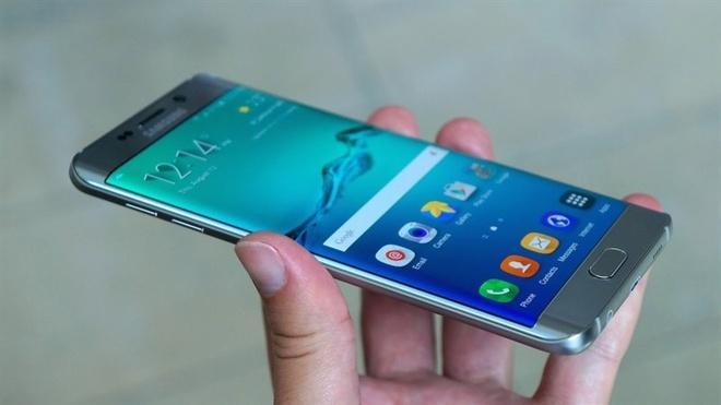 Nhung lan thay doi thiet ke man hinh an tuong cua Samsung hinh anh 2