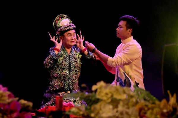 Nguoi dan Phu Tho doi mua di tam soat ung thu mien phi hinh anh 5