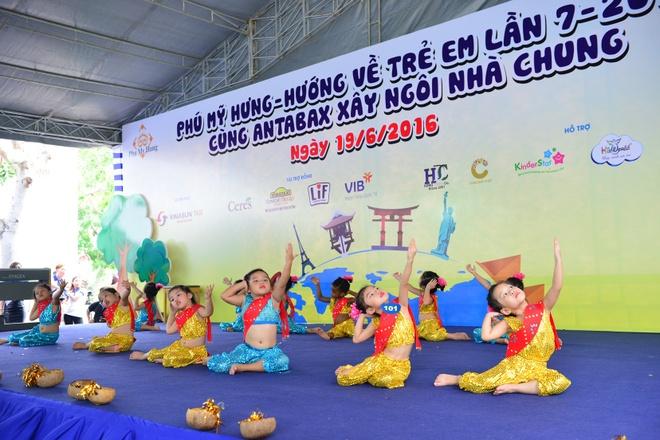 Ngay hoi Phu My Hung - Huong ve tre em anh 2
