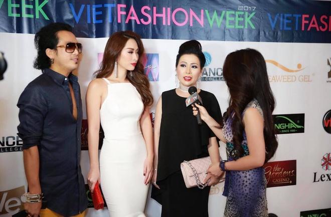 Hoa hau Kristine Thao Lam va Queenie Quynh Thy hoi ngo tai My hinh anh 2