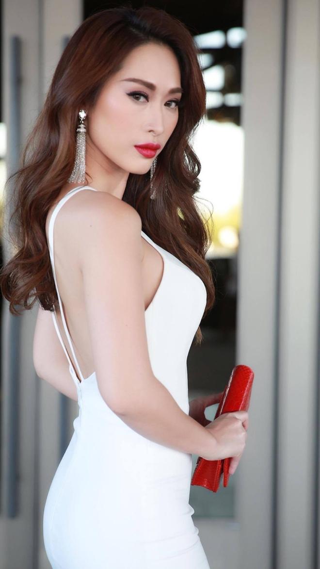 Hoa hau Kristine Thao Lam va Queenie Quynh Thy hoi ngo tai My hinh anh 3