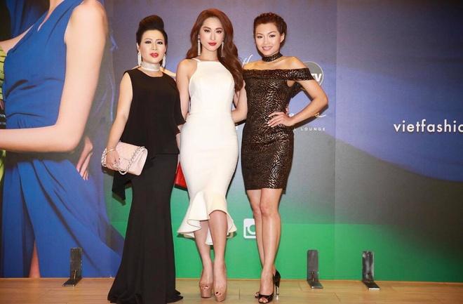 Hoa hau Kristine Thao Lam va Queenie Quynh Thy hoi ngo tai My hinh anh 6