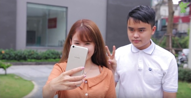 4 ly do khien blogger cong nghe Vinh Vat Vo 'phai long' Vivo V5s hinh anh 4