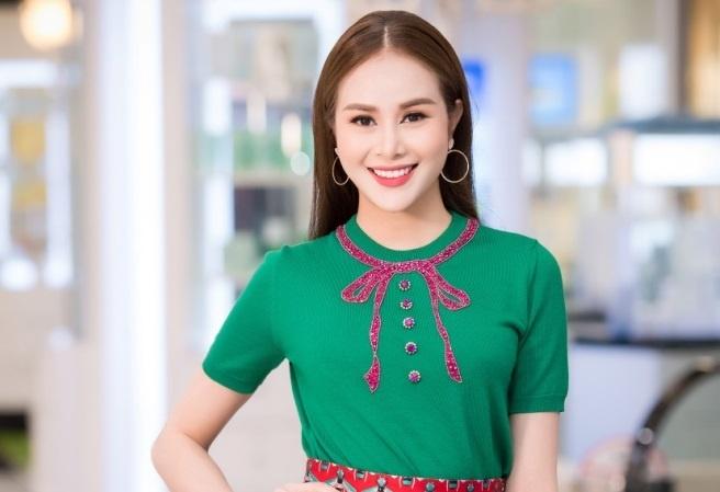 Hoa hau Sella Truong dien set do Gucci di ra mat phim hinh anh