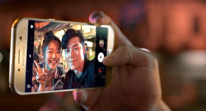 Galaxy A5 2017: Tro thu cho chuyen di mua he hinh anh 2