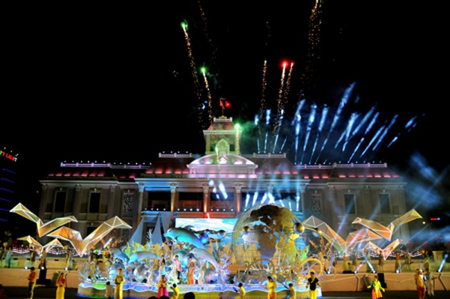 Trai nghiem he soi dong tai Festival bien NhaTrang 2017 hinh anh 1