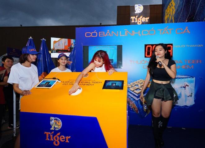 'Buc tuong Tiger 2017' keu goi gioi tre uong co trach nhiem hinh anh 2