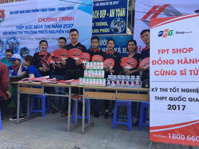 FPT Shop dong hanh cung si tu trong ky thi THPT quoc gia hinh anh 2
