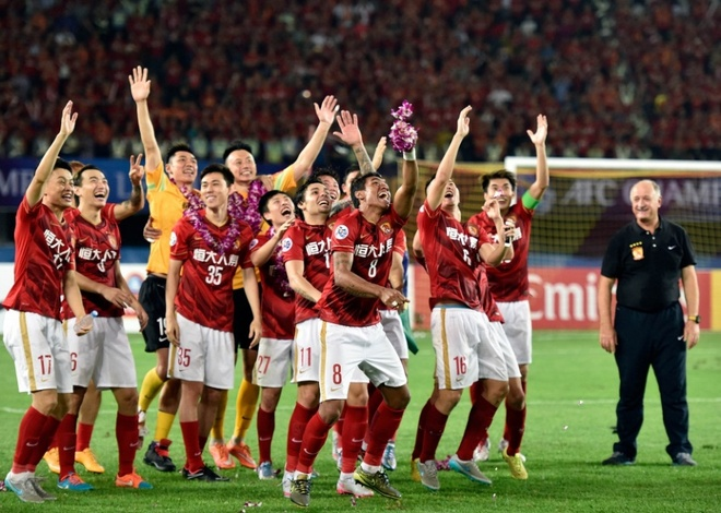 Chinese Super League: Duong dua lat do Quang Chau Hang Dai hinh anh 1