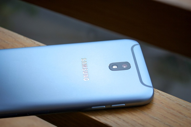 3 diem cong cua Samsung Galaxy J7 Pro hinh anh