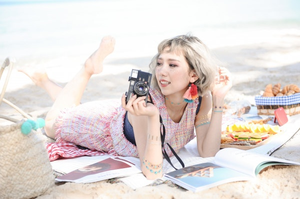 Min, Soobin mashup loat ban hit tren san khau pool-party Da Nang hinh anh