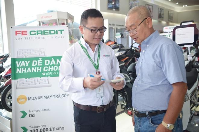 FE Credit ho tro phi truoc ba cho khach hang mua xe Honda Air Blade hinh anh 1