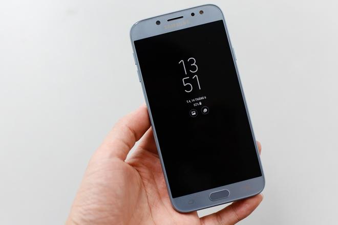 Can canh Galaxy J7 Pro xanh anh bac len ke ngay 7/7 hinh anh 5