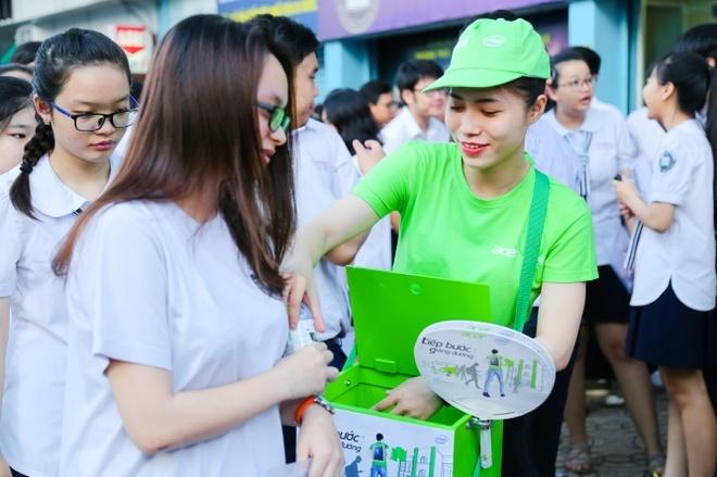 Acer dong hanh cung thi sinh va phu huynh trong ky thi THPT quoc gia hinh anh 1