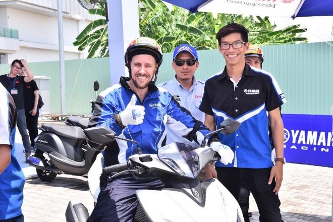 Nghe si Nhat Ban trinh dien moto bay tai Bac Giang hinh anh 2