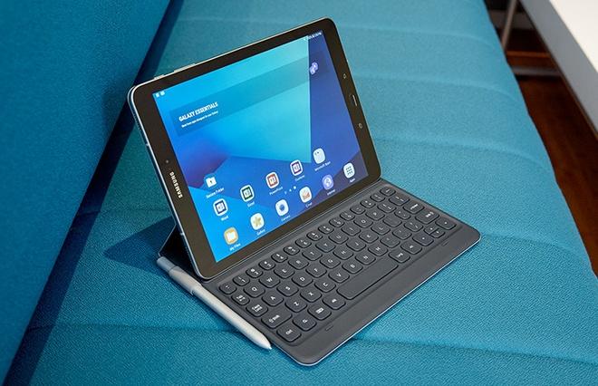 Galaxy Tab S3: Pin 10 tieng, xem phim chuan HDR hinh anh