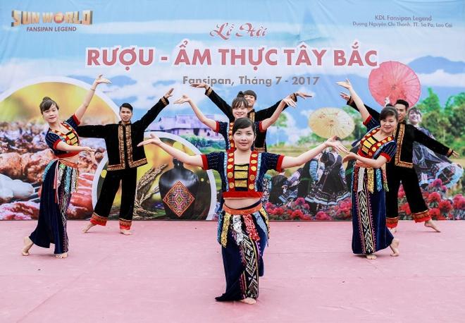 Khong gian am thuc Tay Bac song dong tai Sun World Fansipan Legend hinh anh 6