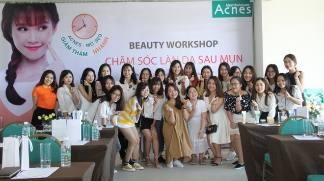Bi quyet tri tan goc seo, vet them sau mun cua beauty blogger Viet hinh anh 4