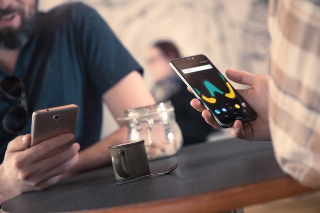 Wiko ra mat smartphone Upulse gia 3 trieu dong hinh anh 1