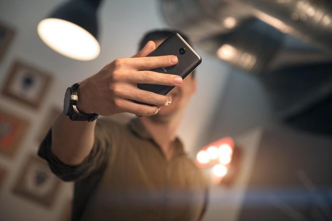 Wiko UPulse: Smartphone tam trung camera 13 MP, RAM 3 GB hinh anh 2
