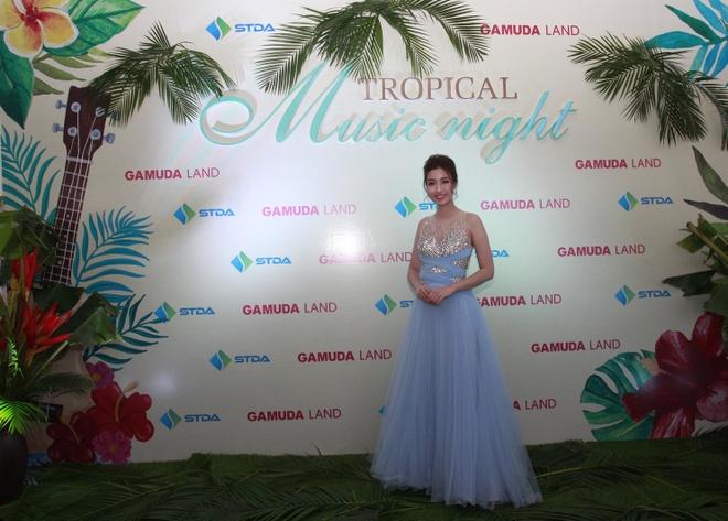 Hoa hau My Linh yeu kieu trong dem nhac 'Tropical Music Night' hinh anh 1