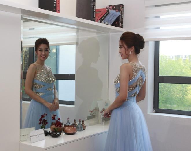 Hoa hau My Linh yeu kieu trong dem nhac 'Tropical Music Night' hinh anh 3