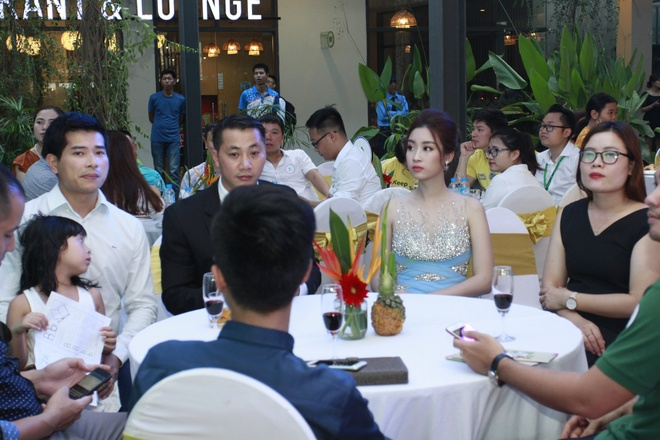 Hoa hau My Linh yeu kieu trong dem nhac 'Tropical Music Night' hinh anh 4