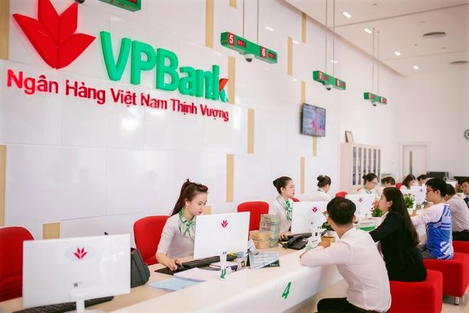 Pho TGD VPBank: 'Ngan hang dang tang kiem soat noi bo, giam gian lan' hinh anh