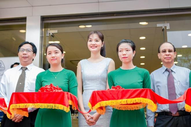 Hoa hau Huong Giang nen na tham gia su kien hinh anh 6