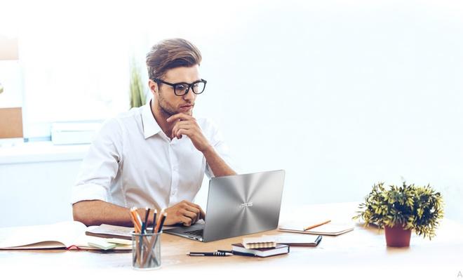 Diem nhan thiet ke cua mau laptop di dong ZenBook UX430 hinh anh 2
