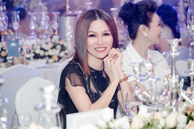 Hoa hau Bui Thi Ha hoi ngo Nguyen Vu tai da hoi 'Dau an vang son' hinh anh 5