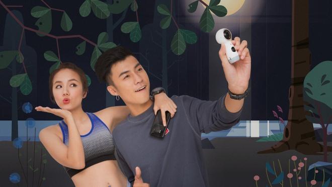 Vuong Anh Ole, Phuong Ly ru nhau livestream tren nui hinh anh