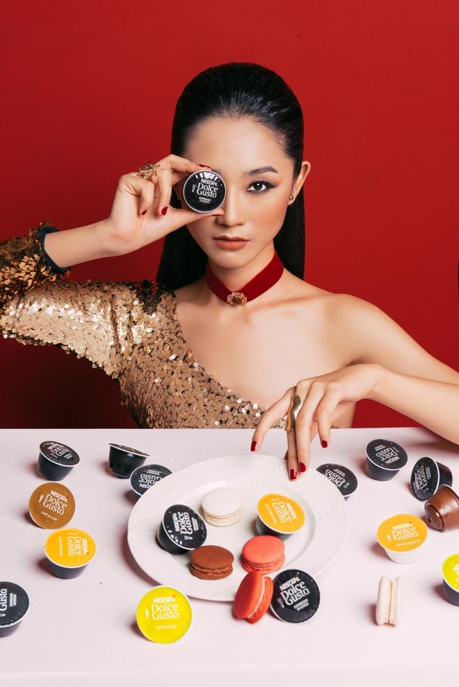 Dzung Yoko va 'nang tho' trong sac do cherry hinh anh 4