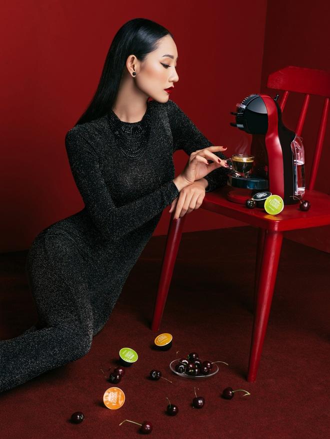 Dzung Yoko va 'nang tho' trong sac do cherry hinh anh 6