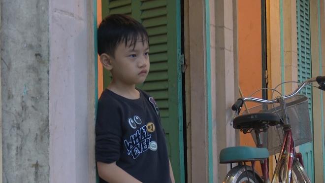 'Bo oi! Minh di dau the' mua 4: Con trai Hong Phuc nuc no vi cha mang hinh anh