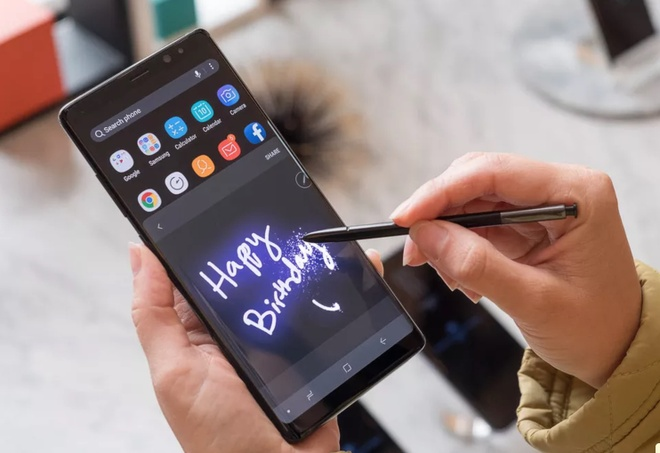 Galaxy Note 8: An tuong ve camera, but S-Pen, gia gan bang xe may hinh anh 1