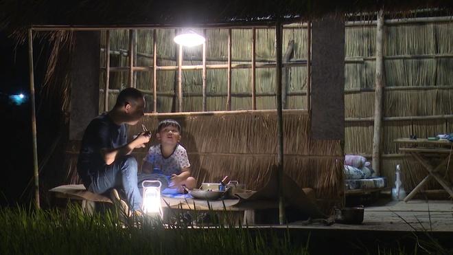 'Bo oi! Minh di dau the' mua 4: Con trai Hong Phuc nuc no vi cha mang hinh anh 3