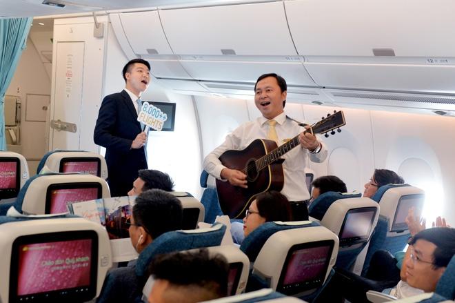 Hon 2,2 trieu luot khach trai nghiem may bay Airbus A350 cua VNA hinh anh