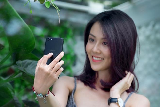 Mua tra gop Oppo F3 Lite chi voi 890.000 dong ban dau hinh anh 1