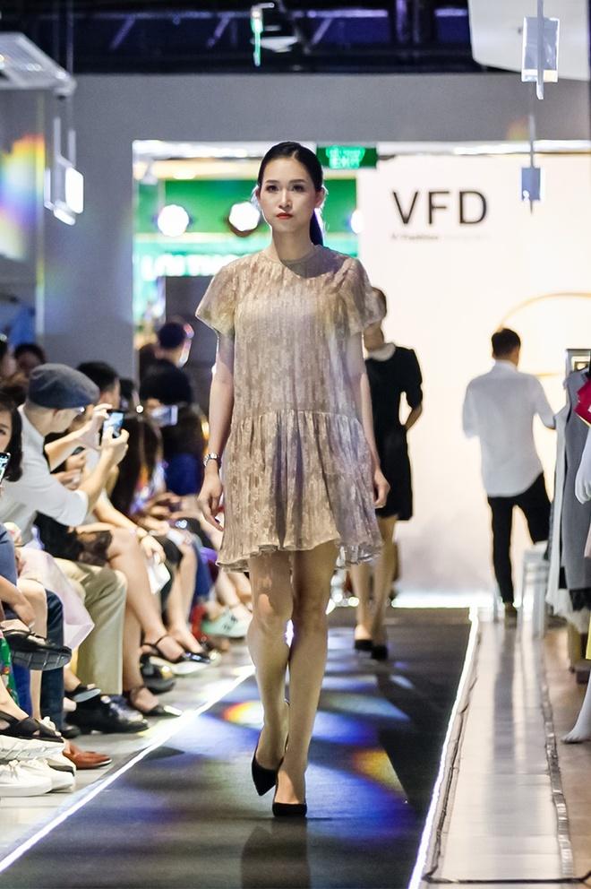'Liec' fashion show - ban hoa ca cua mau sac va am thanh hinh anh 1