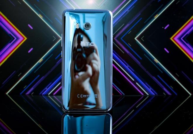 HTC U11: Khong chi la smartphone chup hinh dep nhat hinh anh 1