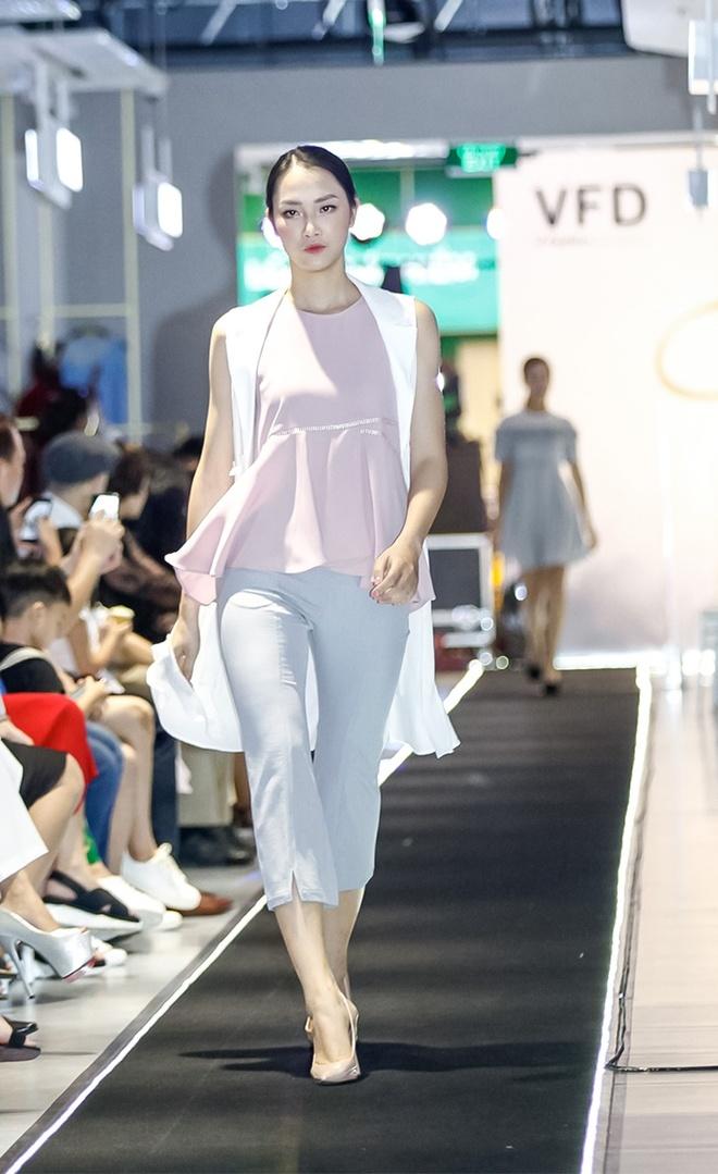 'Liec' fashion show - ban hoa ca cua mau sac va am thanh hinh anh 2