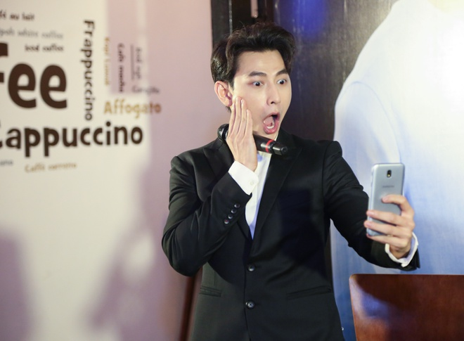 Isaac song ca, selfie cung fan hinh anh 7