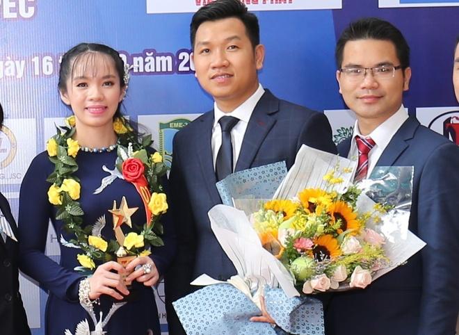 Viet Hung Phat duoc vinh danh top 10 Thuong hieu tieu bieu APEC 2017 hinh anh