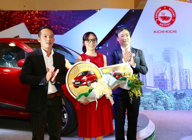 Kichi Kichi trao oto Hyundai Grand i10 cho khach hang may man hinh anh 1