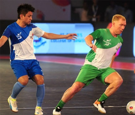 'Song sat' Scholes - Danh Phat 'vo doi' o Premier Futsal 2017 hinh anh