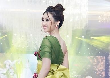 Hoa hau Do My Linh rang ro du le khai truong Queen Plaza Luxury hinh anh