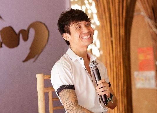 Minh Nhua: 'Cuoc doi la su phan chieu cua tam' hinh anh